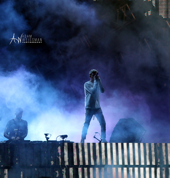 Andrew Taggert of Chainsmokers Sings to the Crowd During Ultra