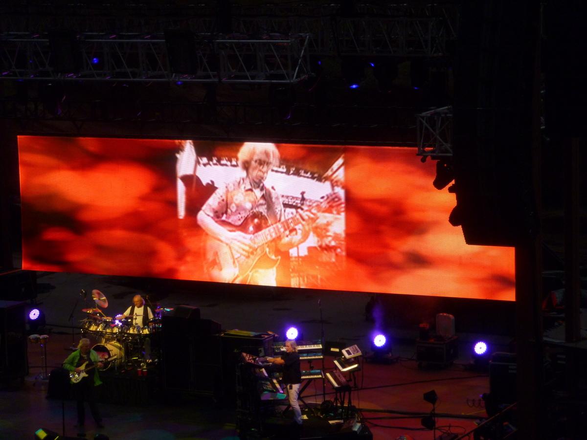 Steve Howe on the big screen.