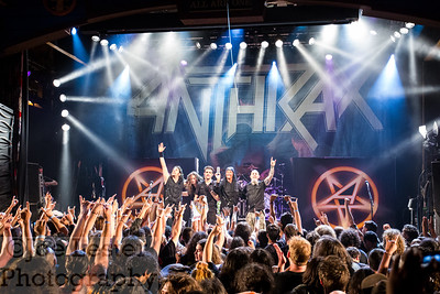 End of the show photo with ANTHRAX on the Metal Alliance tour.