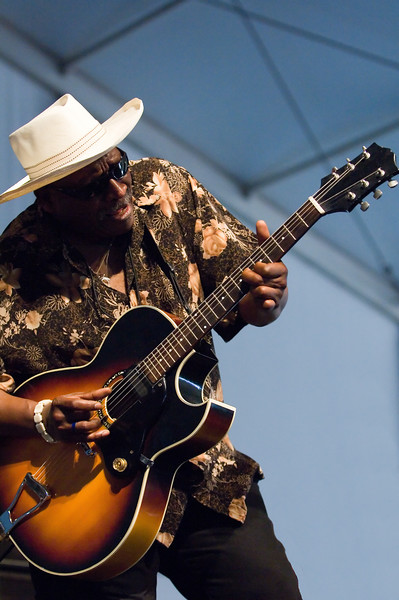 Taj Mahal tearing up the Blues tent.