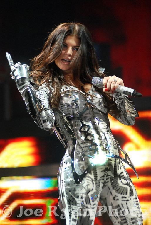 Fergie of the Black Eyed Peas<br /> Boardwalk Hall, Atlantic City, NJ<br /> August 7, 2010