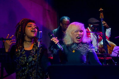 "Debbie Harry with J'Nai Sykes singing ""The Tide is High"""