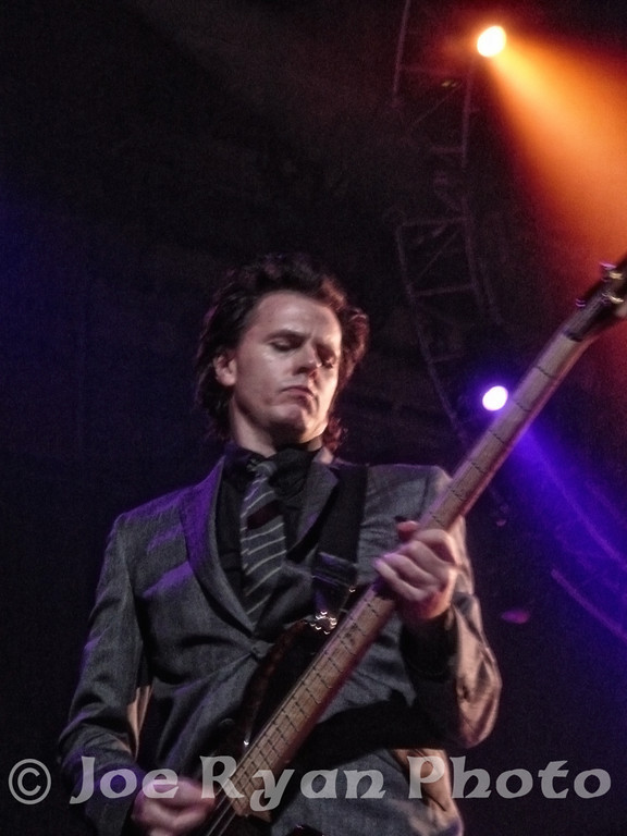 John Taylor of Duran Duran<br /> Philadelphia Spectrum<br /> April 2, 2005