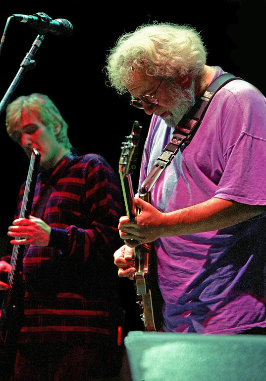 John Kahn and Jerry Garcia<br /> Madison Square Garden<br /> November 12, 1993