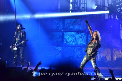 Motley Crue  Susquehanna Bank Center, Camden, NJ July 16, 2011