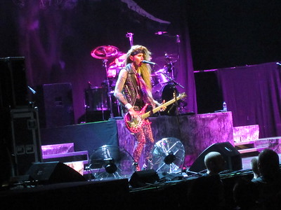 Steel Panther Centre Bell 06-10-14 (10)