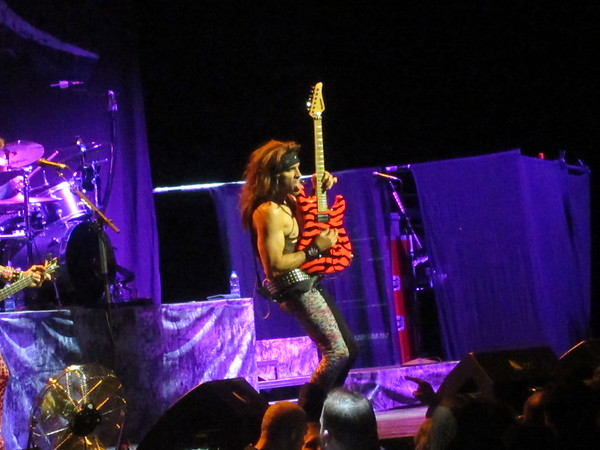 Steel Panther Centre Bell 06-10-14 (20)
