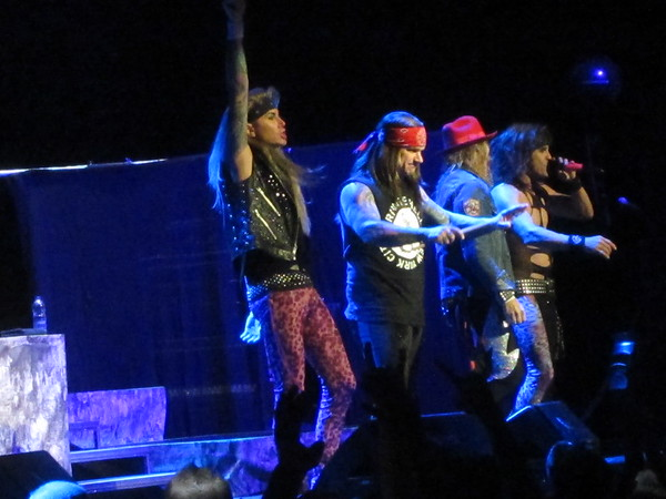 Steel Panther Centre Bell 06-10-14 (22)