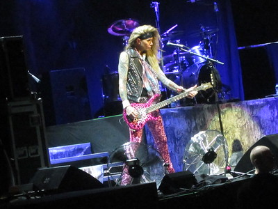 Steel Panther Centre Bell 06-10-14 (6)