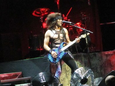 Steel Panther Centre Bell 06-10-14 (9)