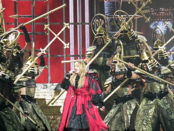 Madonna Centre Bell 09-09-15  (9)