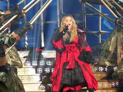 Madonna Centre Bell 09-09-15  (8)