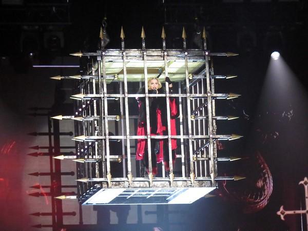 Madonna Centre Bell 09-09-15  (4)