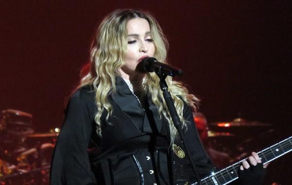 Madonna Centre Bell 09-09-15  (15)