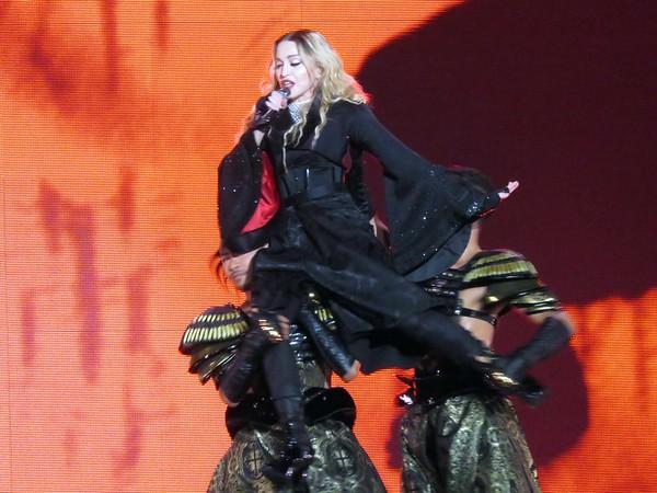 Madonna Centre Bell 09-09-15  (11)