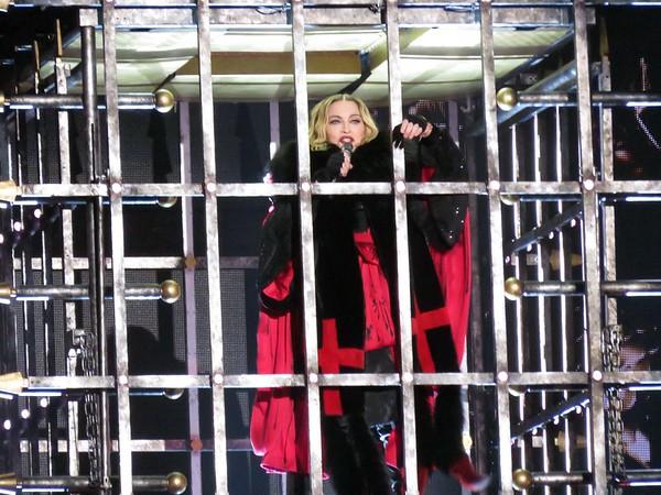 Madonna Centre Bell 09-09-15  (5)