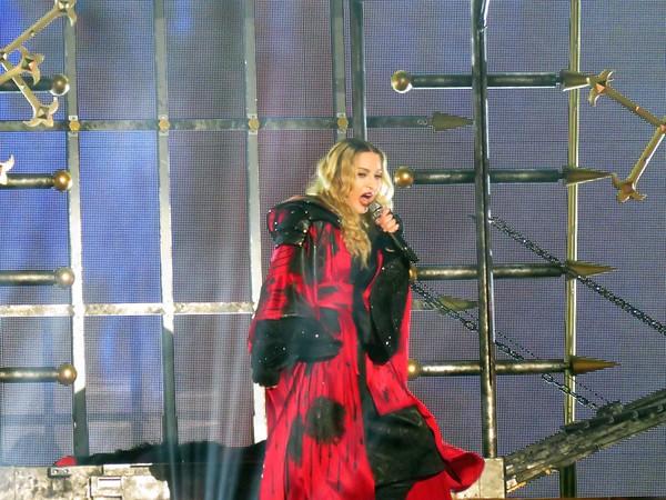 Madonna Centre Bell 09-09-15  (7)