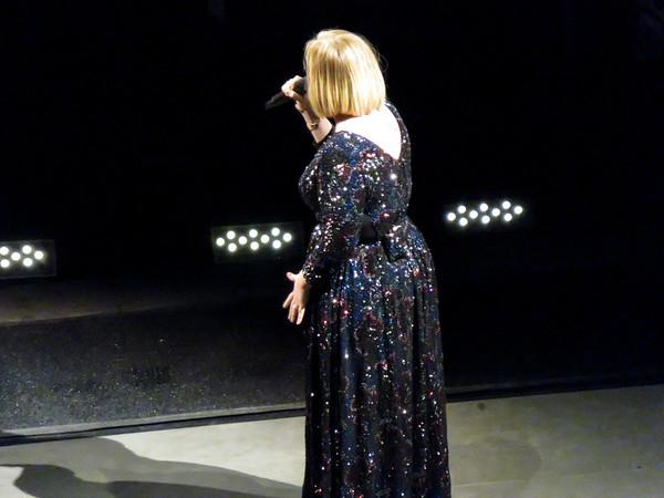 Adele Centre Bell 30-09-16