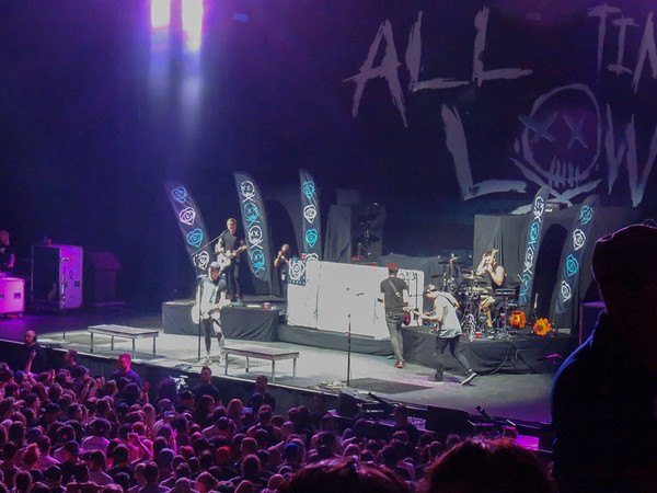 All time low Centre Bell 20-08-16 (1)