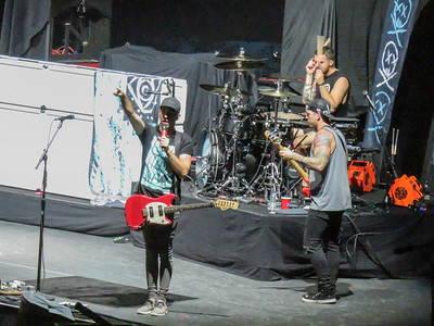 All time low Centre Bell 20-08-16 (2)