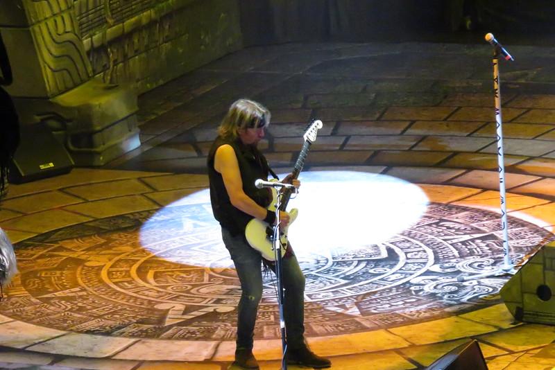 Iron Maiden Centre Bell 01-04-16 (17)