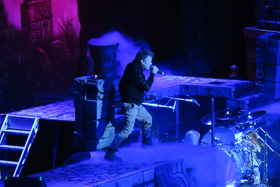 Iron Maiden Centre Bell 01-04-16 (2)