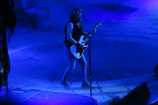 Iron Maiden Centre Bell 01-04-16 (5)