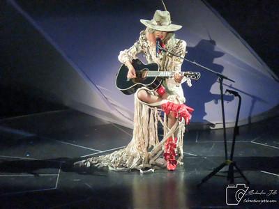Lady Gaga Centre Bell 03-11-17