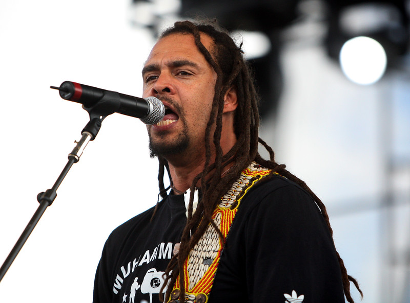 Michael Franti of Spearhead at the 2006 Langerado Festival, Markham Park, Florida