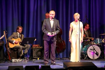 Bakken, Lions støttekoncert for Danner skoleprojekt Tonny Landy og Tove Hyldgaard