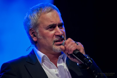 Valeriy Meladze (Валерий Меладзе). The famous Russian pop singer and his band perform at Aladdin Theater in Portland, OR.