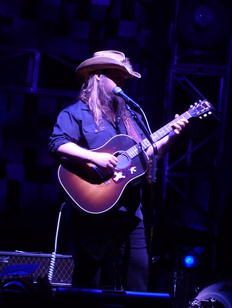 Chris Stapleton w/Brothers Osborne & Lucie Silvas ~ Phoenix, AZ ~ 5/19/17