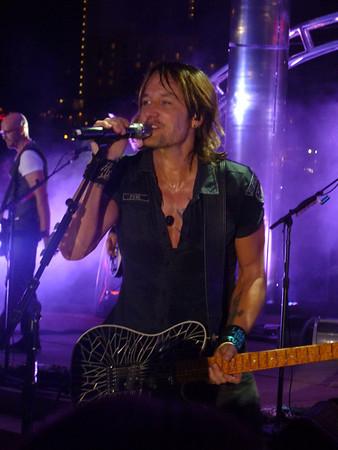 Keith Urban ~ Nashville, TN ~ FUSE Release Show ~ 9/6/13