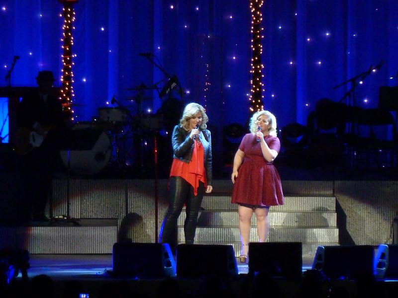 Trisha Yearwood w/Kelly Clarkson