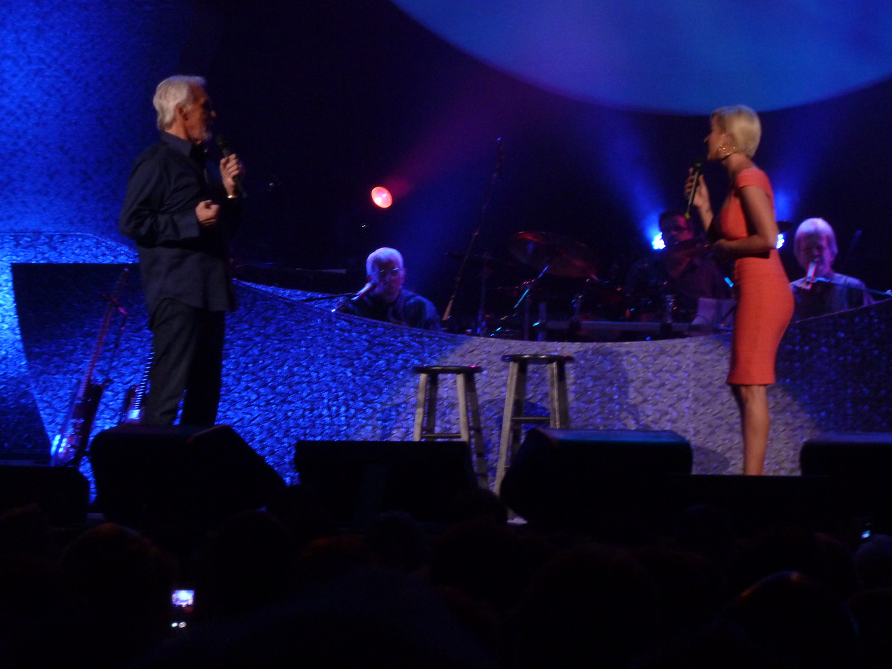 "Kellie Pickler joined Kenny to sing ""Someone Somewhere Tonight"""