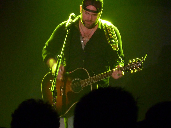 Lee Brice ~ Blue Chip Casino ~ Michigan City, IN ~ 3/30/13