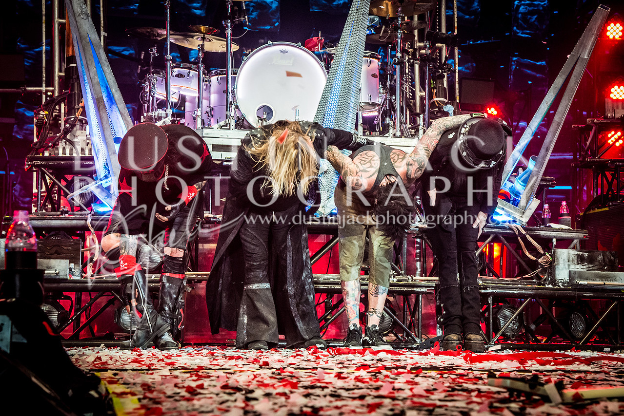 Motley Crue Final Bow