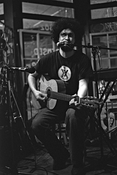 ShipOfFools_CafeMontmartre_MC_04042009_002