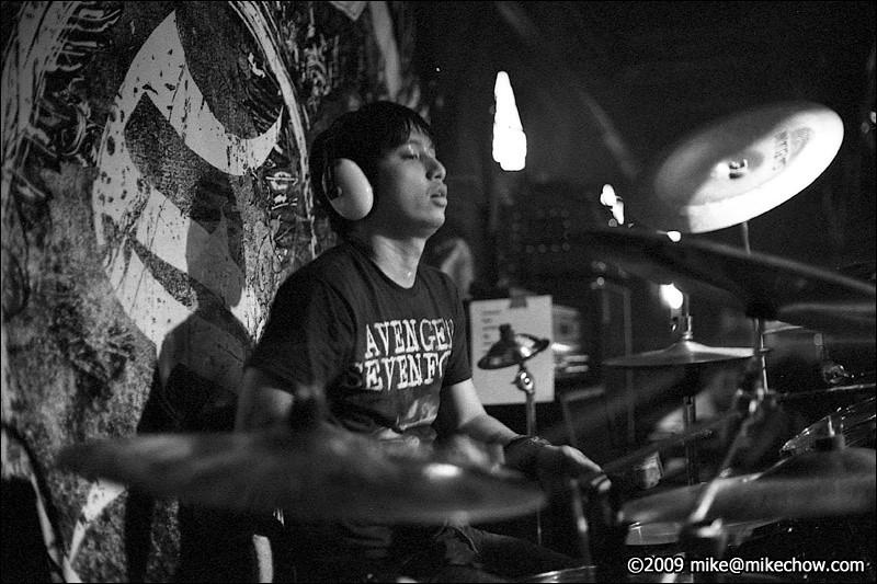 Slapshock live at The Bourbon, July 25, 2009.