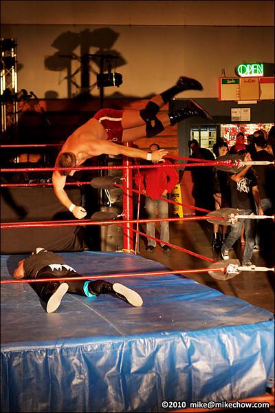 Bomber Nelson Creed vs Dropkick Murphy, New Age Vaudeville, Alice McKay Building, Cloverdale BC, September 24, 2010.