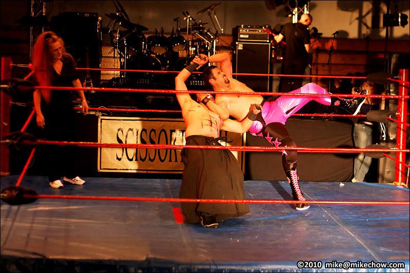 Michelle Starr vs Kasaki, New Age Vaudeville, Alice McKay Building, Cloverdale BC, September 24, 2010.