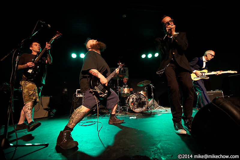The Strugglers live at the WISE Hall, Vancouver BC, July 25, 2014.