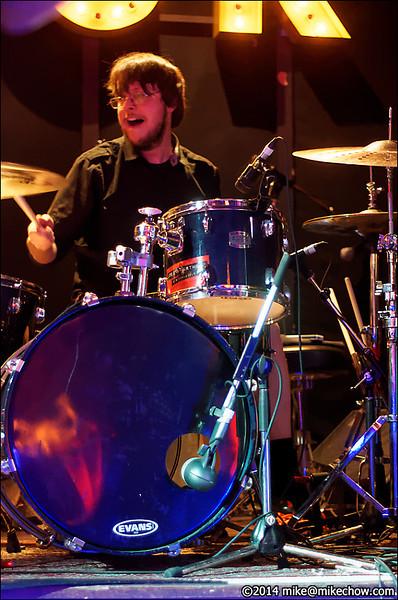 Splittract live at Joe's Apartment, Vancouver BC, April 4, 2014.