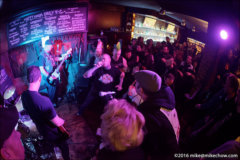 Bishop's Green live at Falconetti's, Vancouver BC, December 31, 2016.