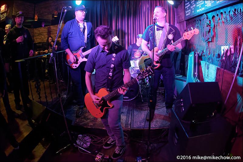 The Binz live at Falconetti's, Vancouver BC, December 31, 2016.