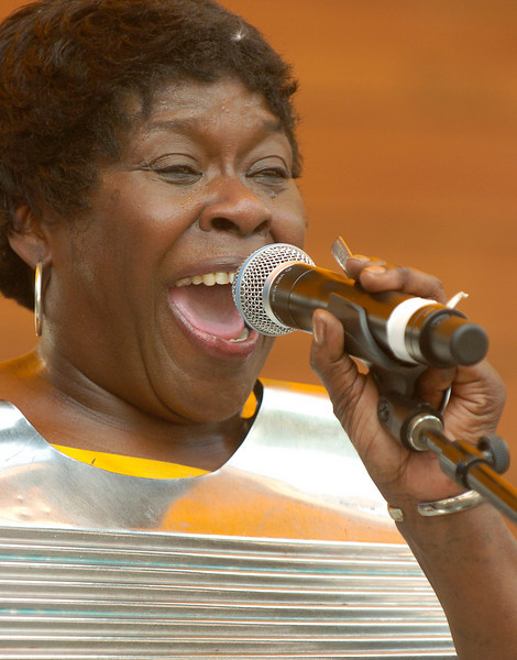 Chicago Blues Festival<br /> June 6, 2008<br /> <br /> Peaches and the Groove Shakers