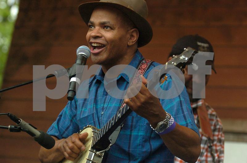 Chicago Blues Festival<br /> June 7, 2008<br /> <br />  Guy Davis with Otis Taylor