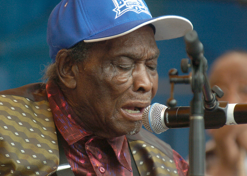 "Chicago Blues Festival<br /> June 5, 2008<br /> <br /> David ""Honey Boy"" Edwards"