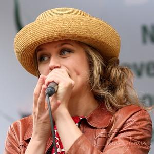 Mimi Terris; (SE);