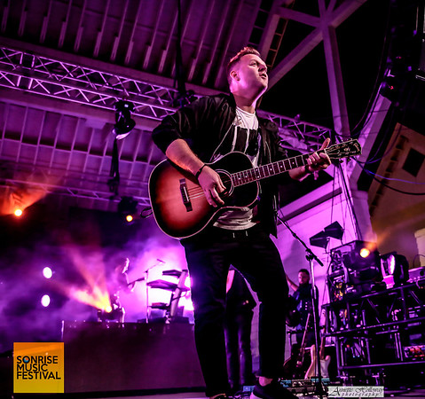 Matthew West at SonRise Music Festival VA Beach, VA 4-29-17 (© Annette Holloway Photography)